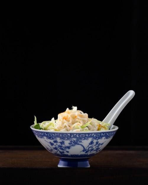 Deegkom van de noedel, traditionele chinese recip Gratis Foto