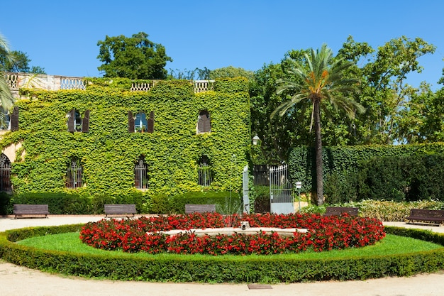Desvalls palace in labyrinth park in barcelona. Gratis Foto