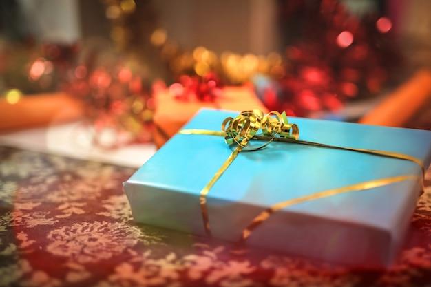Detail van een kerstcadeau Premium Foto