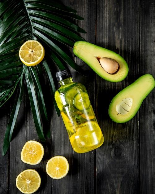 Detox met komkommer en citroen Gratis Foto