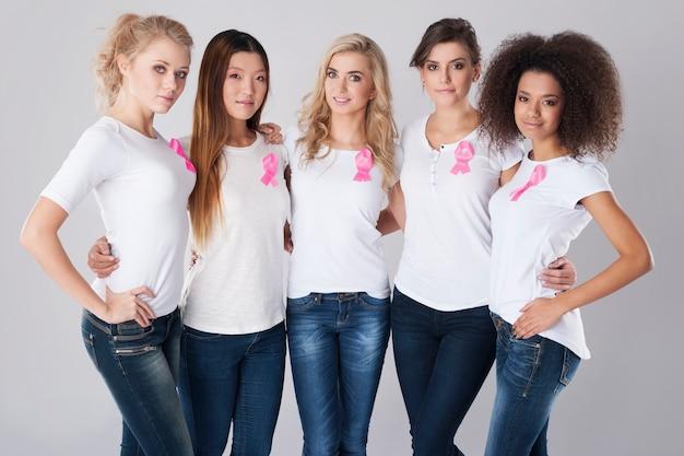 Deze vrouw steunt de strijd tegen borstkanker Gratis Foto