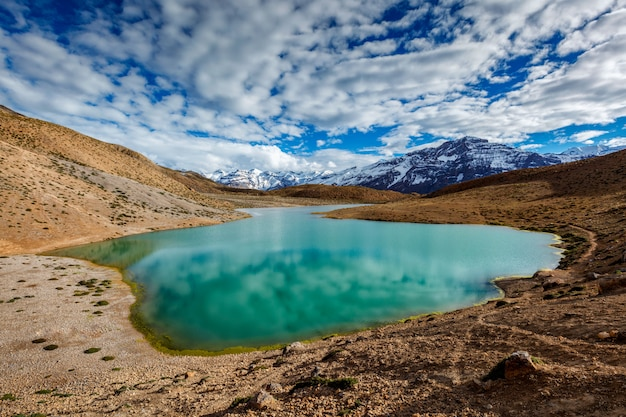 Dhankar-meer in de himalaya Premium Foto