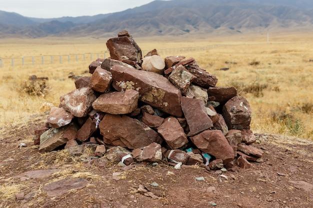 Dia van rode stenen, archeologische stad sawran, kazachstan, oude stad Premium Foto