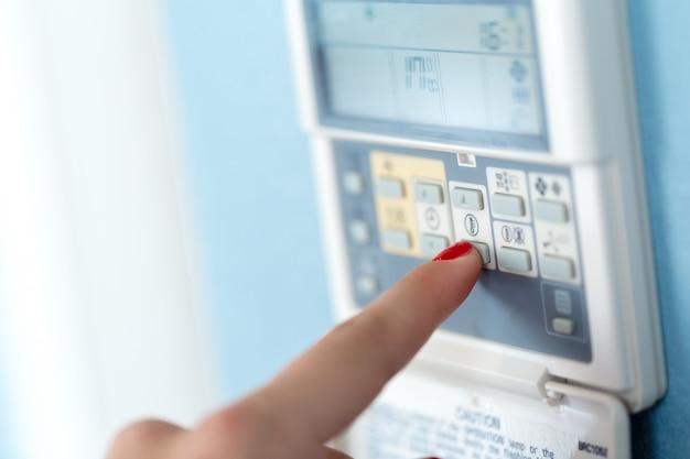 Digitale klimaatthermostaat regelen Premium Foto
