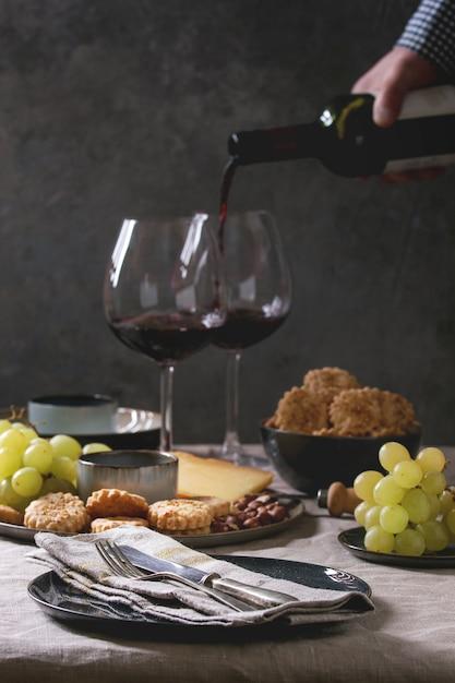 Diner gedekte tafel Premium Foto
