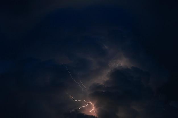 Dit panoramische beeld werd genomen tijdens storm Premium Foto
