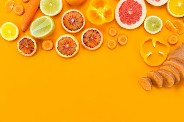 Diverse exotische vruchten kopiëren ruimte Gratis Foto