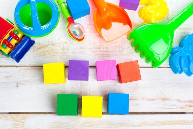 Diverse speelgoed- en kinderartikelen Premium Foto