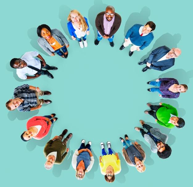 Diversiteitsgroep bedrijfsmensen communautair teamconcept Gratis Foto