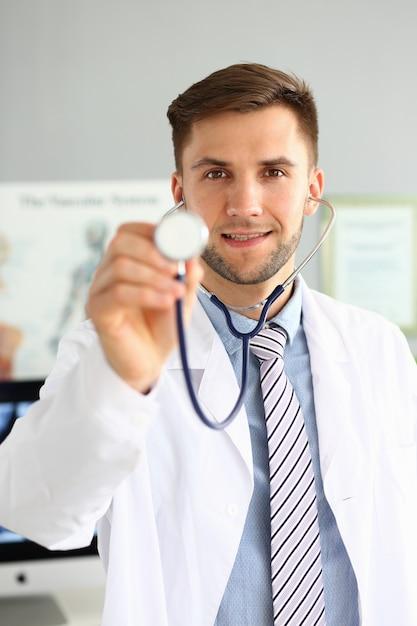 Doc bedrijf stethoscoop Premium Foto