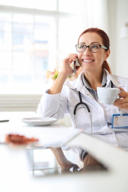 Dokter op het werk Gratis Foto