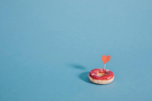 Donut met een hart Gratis Foto