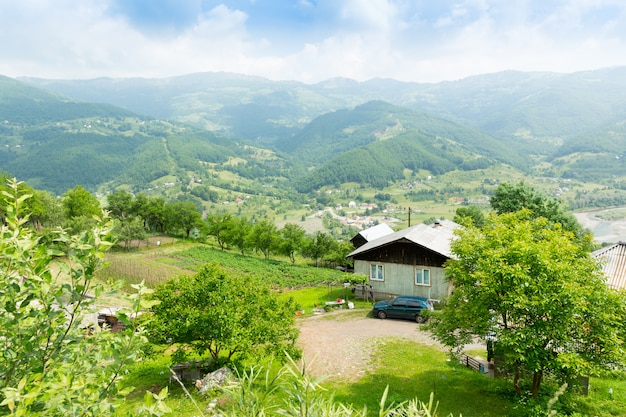 Dorp in de bergen Premium Foto