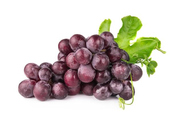 Druiven op een witte achtergrond Premium Foto