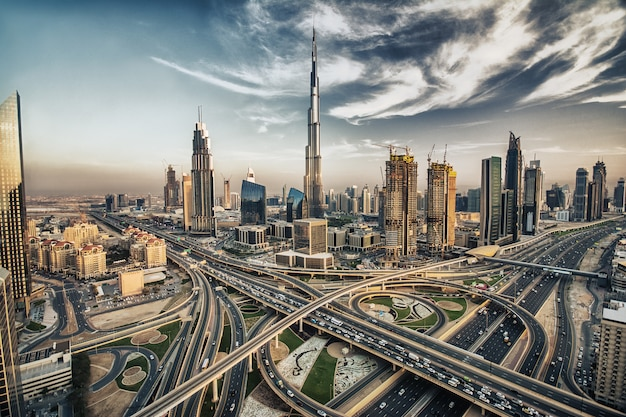 Dubai skyline met prachtige stad Premium Foto