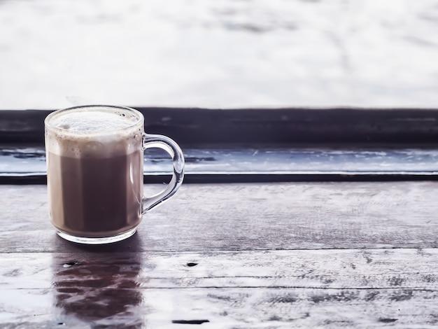 Een cappuccino in duidelijke kop Premium Foto