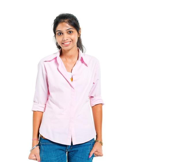 Een jonge vrolijke indiase vrouw Gratis Foto