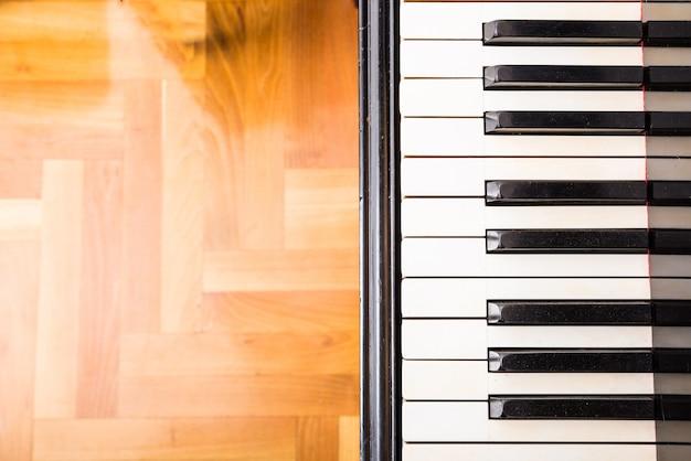 Een klassieke pianotoetsen Premium Foto