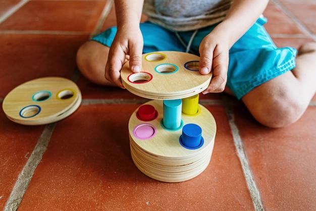 Een materiaal van montessori-pedagogie, een nieuwe stijl van lesgeven aan kinderen in scholen over de hele wereld Premium Foto