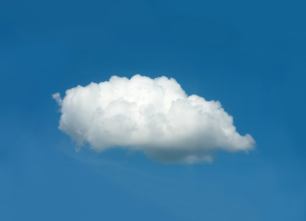 Een witte wolk in de blauwe lucht Premium Foto