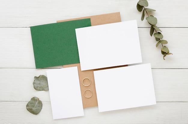Eenvoudige bruiloft uitnodiging collectie Gratis Foto