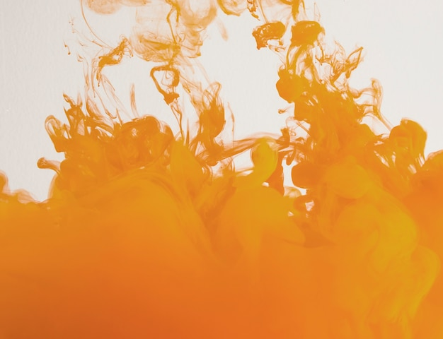 Eenvoudige fel oranje wolk van waas Gratis Foto
