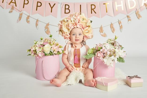 Eerste verjaardag meisjes, decor in roze kleuren Premium Foto