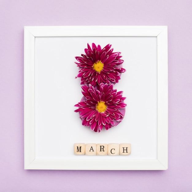 Elegante fotolijst met bloemen Gratis Foto