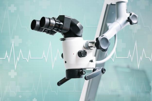 Elektrische microscoop met wintertalingsachtergrond Gratis Foto