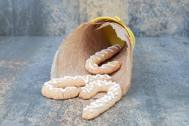 Emmer peperkoekkoekjes op marmeren tafel. hoge kwaliteit foto Gratis Foto