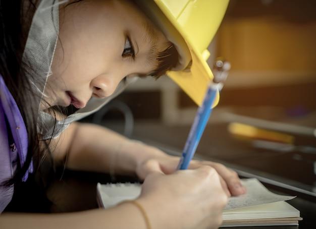 Engineering kid onderwijs concept Premium Foto