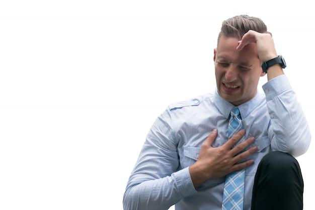 Ernstige hoofdpijn, ernstige hoofdpijn, blanke man die lijdt aan pijnlijk hoofd geïsoleerd op een witte achtergrond. Premium Foto