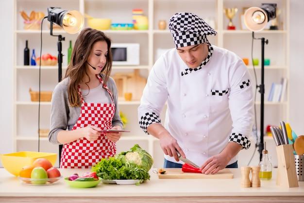 Eten koken tv-show Premium Foto