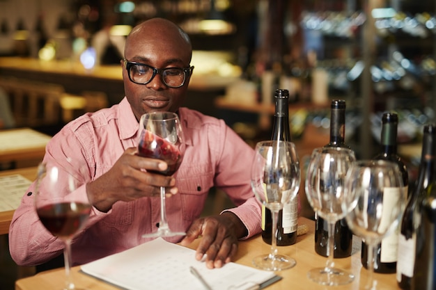 Evaluatie van wijn Gratis Foto