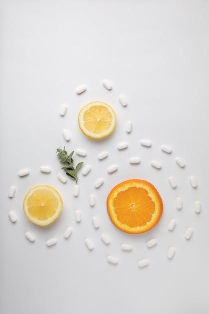 Exotisch fruit met medicijnen Gratis Foto