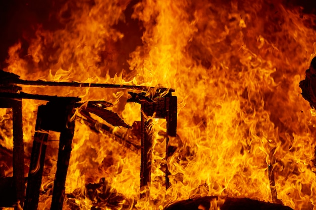 Fallas vuur branden in valencia fest Premium Foto