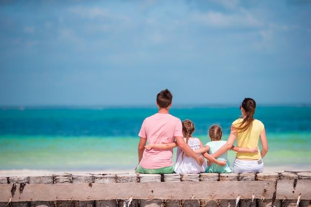 Familie op vakantie Premium Foto