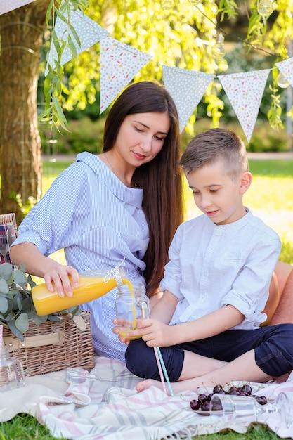 Familie picknick Gratis Foto