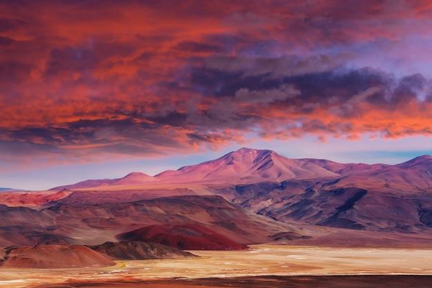 Fantastische schilderachtige landschappen van noord-argentinië. mooie inspirerende natuurlijke landschappen. Premium Foto