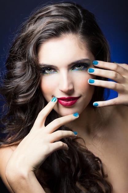 Fashion make-up gezicht make-up pijl Gratis Foto