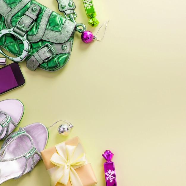 Feestelijke compositie, set accessoires sieraden geschenken Premium Foto