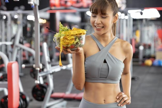Fitness en gezond voedsel, afvallen concept Premium Foto