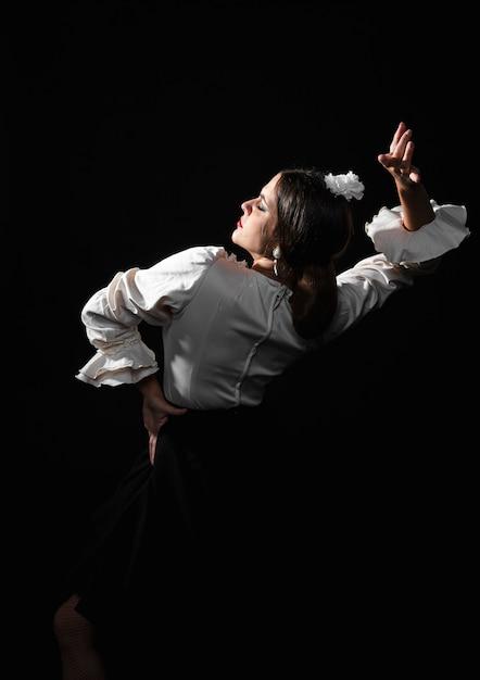 Flamenco dame performer achteraanzicht Gratis Foto