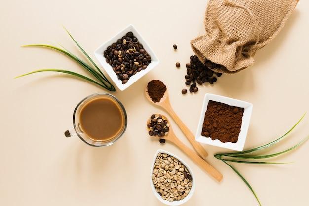 Flay lag koffie en koffiezak Gratis Foto