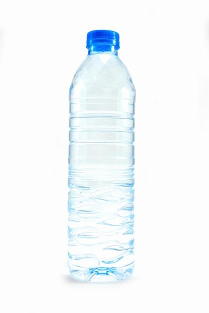 Fles water op wit Premium Foto