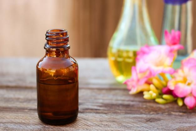 Flesje etherische olie Premium Foto
