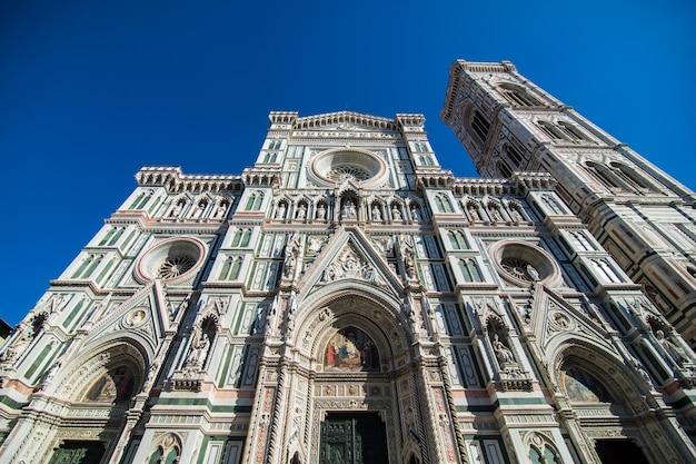 Florence kathedraal santa maria del fiore zonsopgang uitzicht, lege straten en plein, toscane, italië Gratis Foto