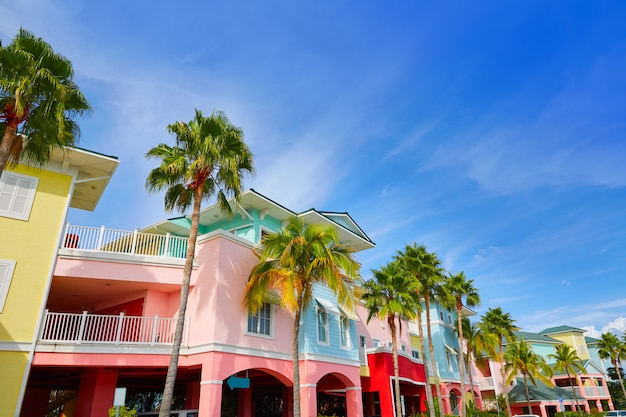 Florida fort myers kleurrijke palmengevels Premium Foto