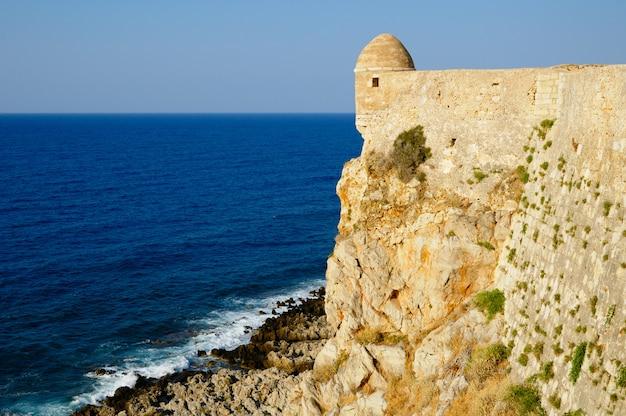 Fort fortezza in stad van rethymno, kreta, griekenland Premium Foto