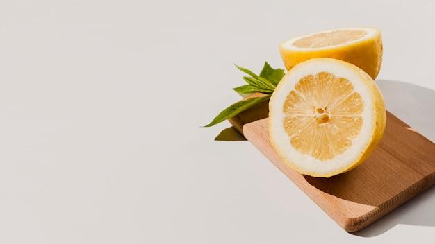 Frame met hoge hoek citroenen Gratis Foto